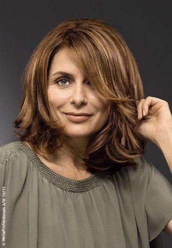 Stufenschnitt für braunes Haar - Frisuren: mittellang