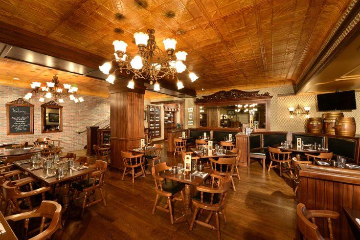 The Broadmoor Colorado Springs | The Golden Bee | English Pub