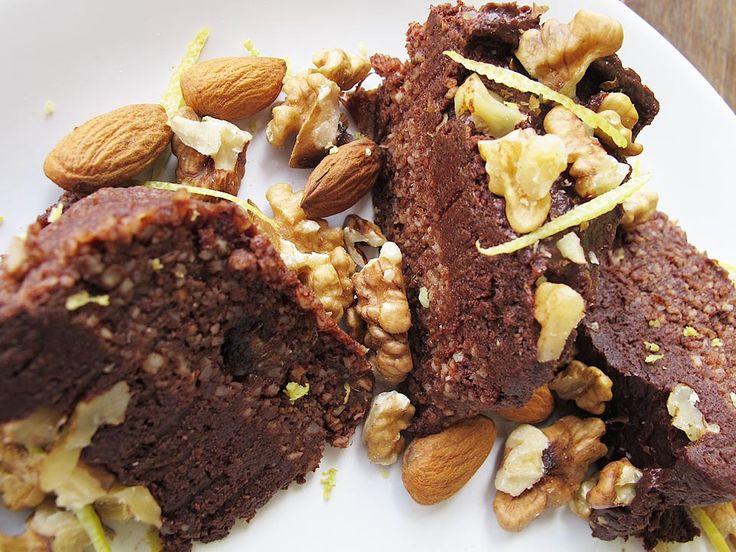 Nu sunt o adeptă a dietei raw- vegane, dar simt nevoia uneori să consum alimente cât mai aproape de starea lor naturală.