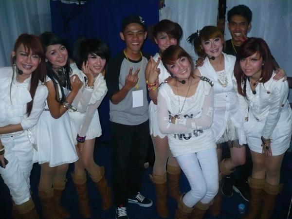 @Super_Girlies Backstage - Gasibu, Bandung | @Globaltvseru Konser Seru