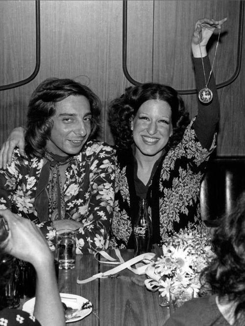barry manilow 1970 | Barry Manilow and Bette Midler out on the town.