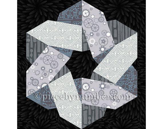 Ce modèle de bloc de courtepointe mosaïquées de papier est noueux et Nice ! Deux triangles entrelacés concevoir un noeud celtique hexagone parfait pour courtepointes de mariage, hauts de forme de table, dessus de loreiller et plus. Il est également idéal pour les projets des hommes lorsque cousues dans les gravures géométriques et abstraites (voir dernière image).  Le modèle de couette Télécharger instant contient des instructions complètes, des schémas de fondation et Coloriages pour faire…