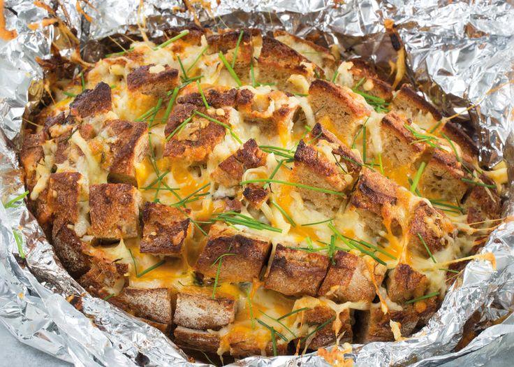 Fylt brød med ost og bacon