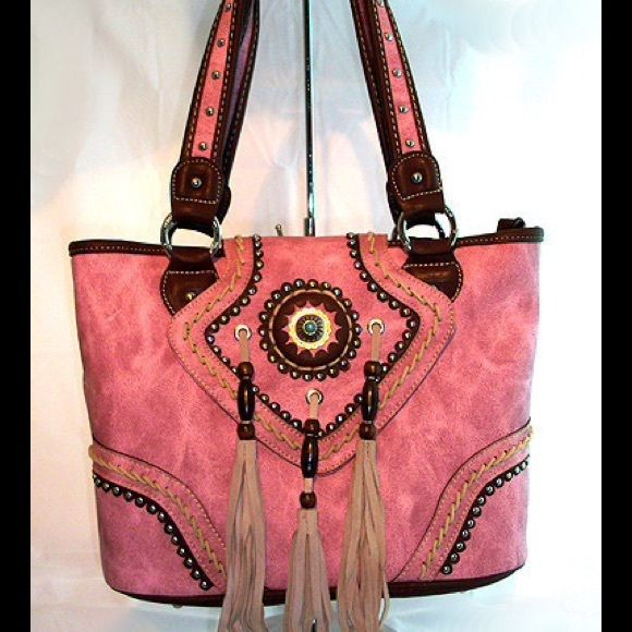 NWTMontana West Concealed Carry Handbag Pink. Faux leather. Last one! ❤️ Montana West Bags Shoulder Bags
