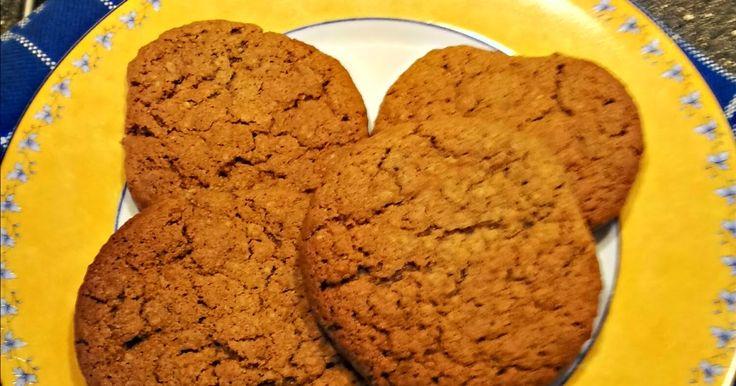 Koekjes van Dirk     Dirk mag ook graag in de potten en pannen roeren...   Maar koekjes bakken dat vind hij toch welhet leukste   Dit i...