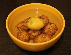 Салат из молодого картофеля http://womenbox.net/cook/salat-iz-molodogo-kartofelya/  Салат из молодого картофеля- прекрасный гарнир. Сочетание свежих, хрустящих овощей и легкая заправка, подчеркивающая их вкус. Приготовьте его на обед или ужин как дополнение к основному горячему. Вместе с салатом