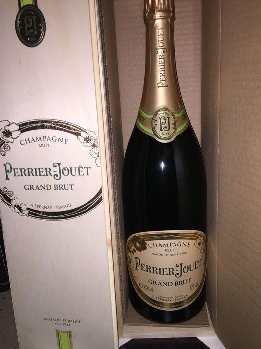 Perrier Jouet Grand Brut NV - 1 Jerobeam (3 L) houten doos  Houten kast met 3 L Jerobeam.Perrier-Jouet Grand Brut Champagne. Non-vintage.  EUR 120.00  Meer informatie