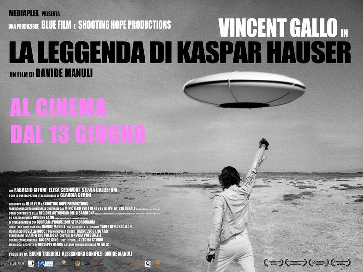 ITALIAN POSTER of LA LEGGENDA DI KASPAR HAUSER starring VINCENT GALLO, SILVIA CALDERONI, FABRIZIO GIFUNI, ELISA SEDNAOUI, CLAUDIA GERINI. Music by VITALIC. Directed by DAVIDE MANULI
