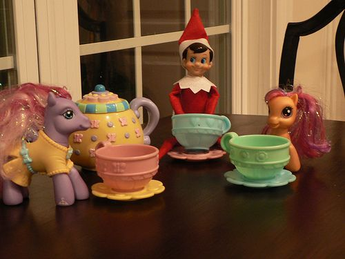 Elf tea party