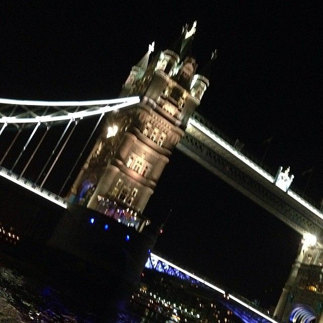 Love London, love Tower Bridge by night