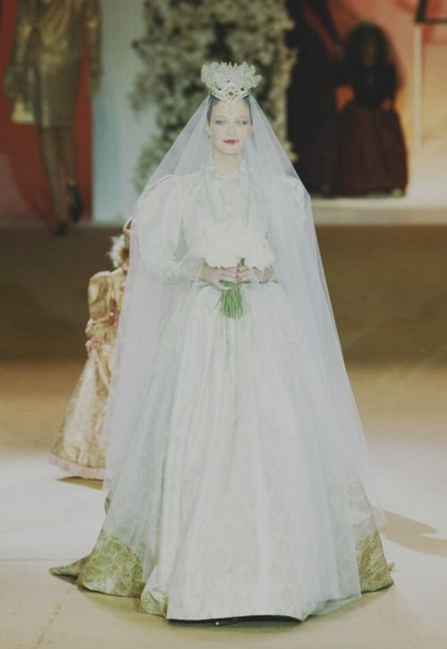 17 best images about bridal bliss on pinterest oscar de for Yves saint laurent wedding dress