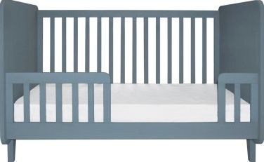Laurette Conversion Kit for Kiss Curl Bed 70x140 cm - Color: Mid gray Hand painted, matt varnish Composition: beech Conversion kit allows to convert the Accroche-coeur crib into a junior bed (bed not supplied) Available in 9 colors http://www.comparestoreprices.co.uk/january-2017-7/laurette-conversion-kit-for-kiss-curl-bed-70x140-cm-.asp