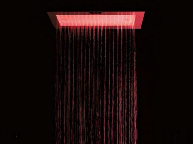 Tra le novità di Antonio Lupi viste al Cersaie 2011, il soffione Omm: un progetto pensato dal designer spagnolo Elias Sequi. http://www.leonardo.tv/bagno/arredo-bagno-antonio-lupi-soffione-doccia-omm
