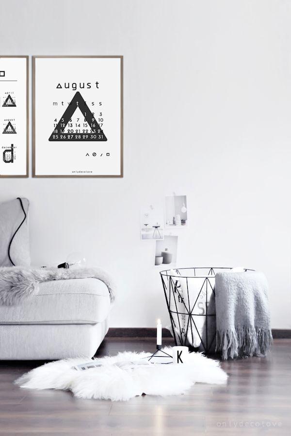 DIY ideas | free printable August calendar