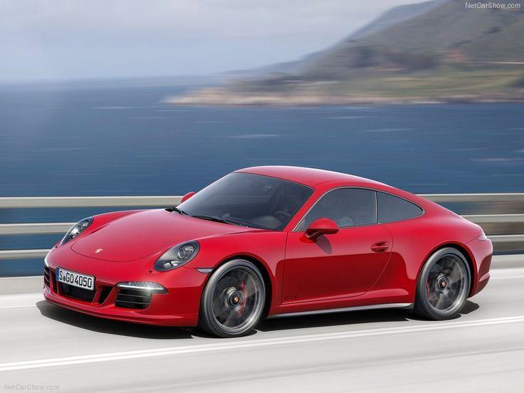 2015 Porsche 911 Carrera GTS Side View