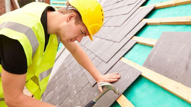 Réparer ou refaire sa toiture : comment choisir ?