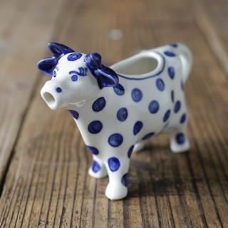 牛のミルクピッチャー