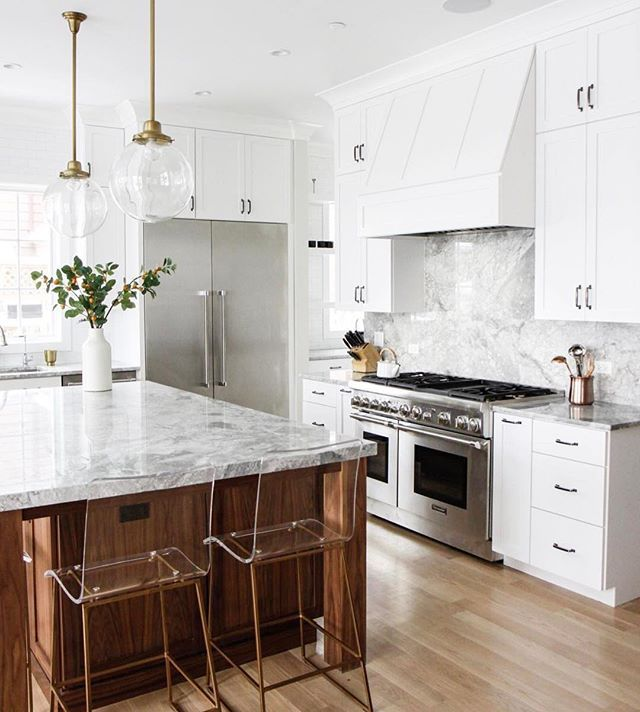 There is such an amazing community of talent here on Instagram and we love sharing it. Show us your work by using #BeckiOwensFeature to be featured! Can't wait to see all your amazing designs. Loving the warmth + brightness of this kitchen by @parkandoakdesign ❤️. Also this weeks favorites are up on Beckiowens.com.