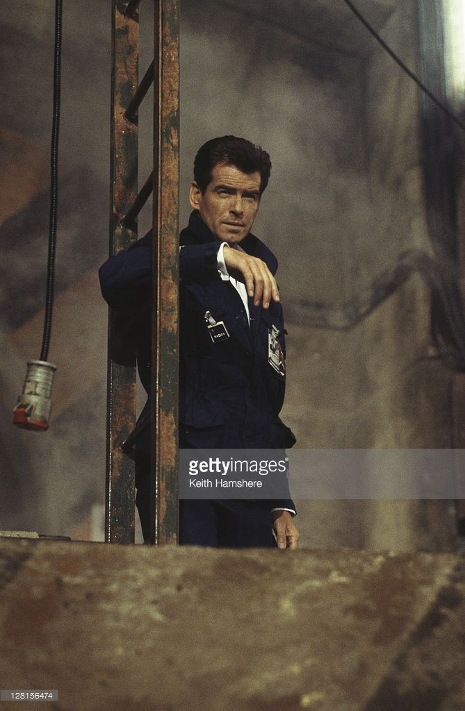 Irish actor Pierce Brosnan as 007 in the James Bond film 'The World Is Not Enough', 1999. Here he poses as a Russian scientist in order to visit a Russian missile base in Kazakhstan. This scene was filmed in Pinewood Studios, Buckinghamshire.