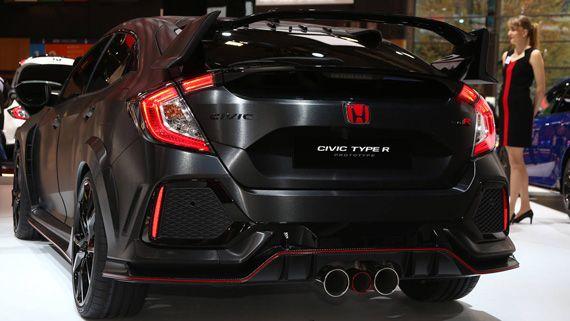 Горячий хэтчбек Honda Civic Type R Prototype 2018 / Хонда Сивик Тайп R Прототип 2018 – вид сзади