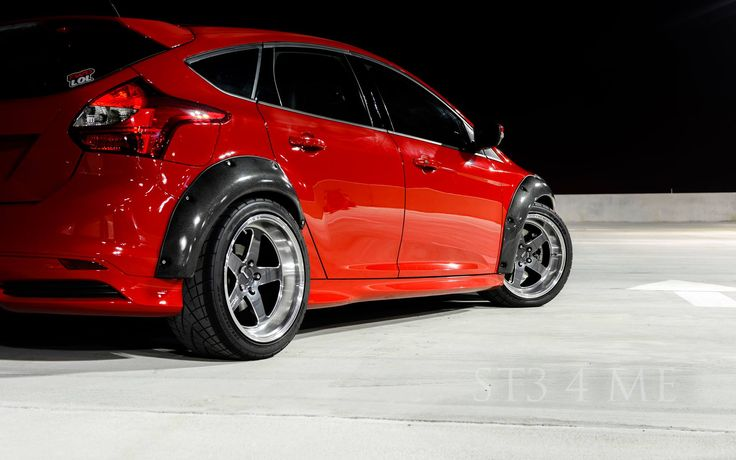 wide slow style of red ford focus st mk3. Black Bedroom Furniture Sets. Home Design Ideas