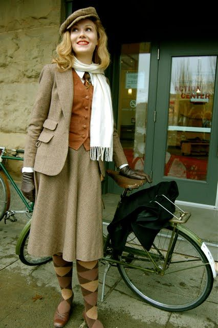 Magnificent vintage tweed ensemble. I would dress like this all the time if I…