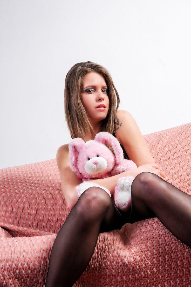 Giada and the pink rabbit on the pink sofa - sMq 2015 - ML