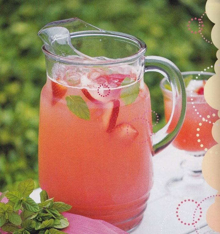 Punch: Sparkling Mint and Strawberry Lemonade