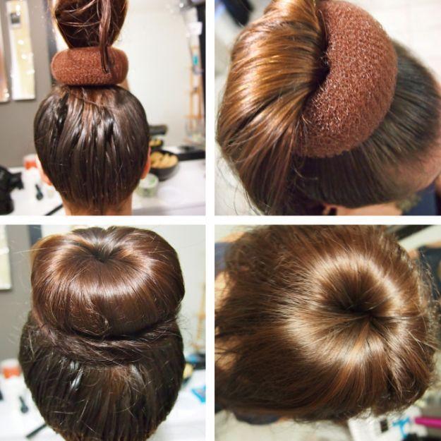 Прическа пучок на макушке с бубликом ::: onelady.ru ::: #hair #hairs #hairstyle #hairstyles