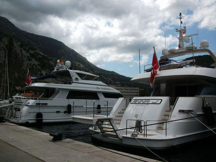 Czarnogora Kotor Zatoka Kotorska - jachty  w porcie #Czarnogóra #Montenegro #Budva #Kotor   #Matuszyk #Adriatyk #Kotor #jachty