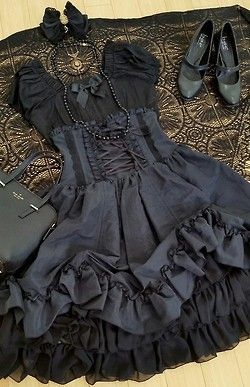Goth:  The #Wardrobe ~ #Goth fashion. Classic #Gothic Lolita.