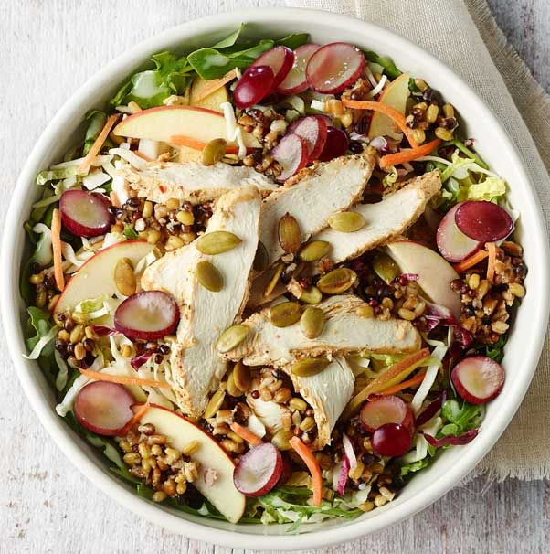 Inspiration for salads at home > Panera's Ancient Grain Arugula & Chicken Salad: Chicken, arugula, ancient grain blend, red grapes and fresh apple and cabbage slaw tossed with white balsamic apple vinaigrette and topped with toasted pumpkin seeds.
