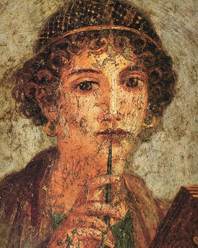 Tarihin ilk kadın edebiyatçısı Sappho, aynı zamanda Afrodit'in rahibelerindendir. Lirik şiirleri M.Ö. 570'den günümüze dek ulaşmış, Sappho'nun adı coşkulu dizeleriyle hâlâ anılır olmuştur. - - #art #lyrics #poem #poet #sappho #history #şiir #şair #arty #artlovers #women #literature #gallery #look #like #inlay #paint #mosaic #sanat #first #instaart #instagood http://turkrazzi.com/ipost/1515866621275969825/?code=BUJcKkgBpkh