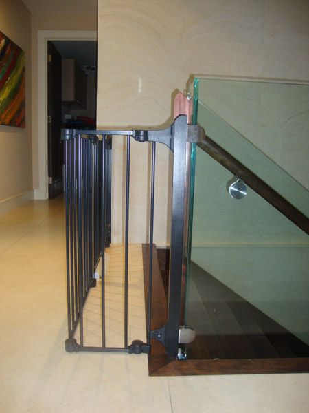 18 Modern Glass House Exterior Designs: 17 Best Ideas About Glass Stair Railing On Pinterest