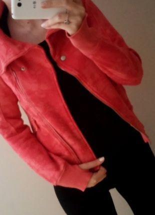 Kup mój przedmiot na #vintedpl http://www.vinted.pl/damska-odziez/bluzy/8027074-morelowa-ciepla-bluza-cropp