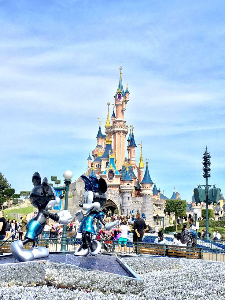 Mickey & Minnie. Disneyland Paris