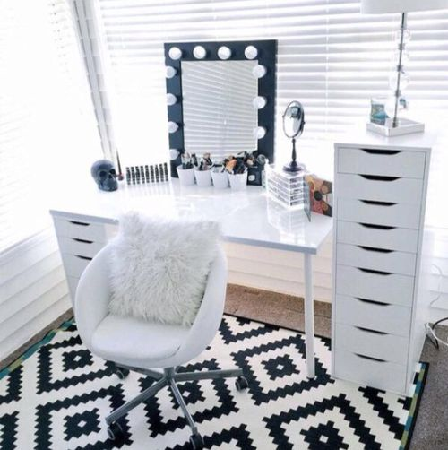 room, makeup, and white resmi