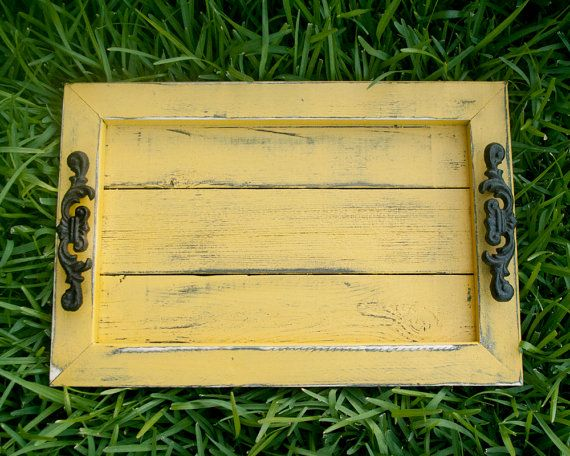 Yellow pallet serving tray