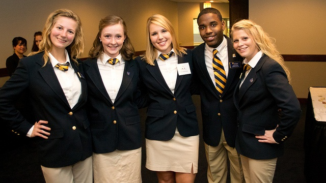 Student Alumni Association Members at Taste of the Arts! Find out more at www.raceralumni.com/SAA