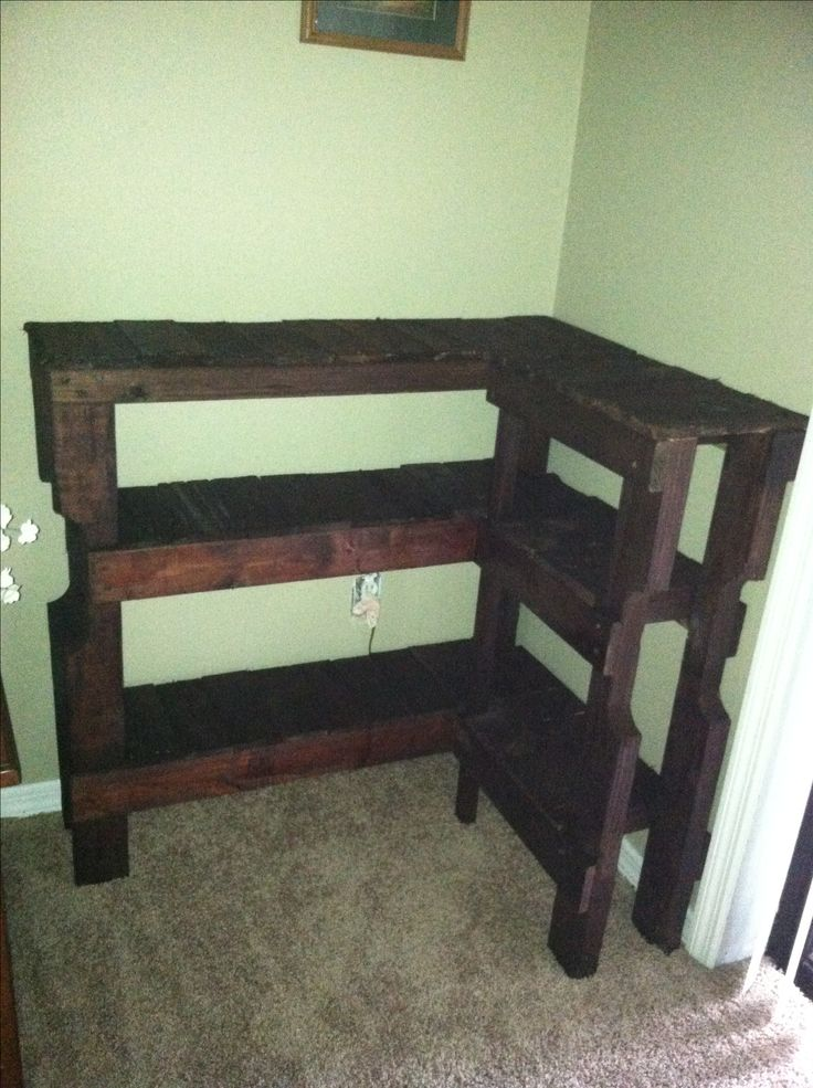 31 best palet images on pinterest pallet ideas outdoor for Shelves made out of wood pallets