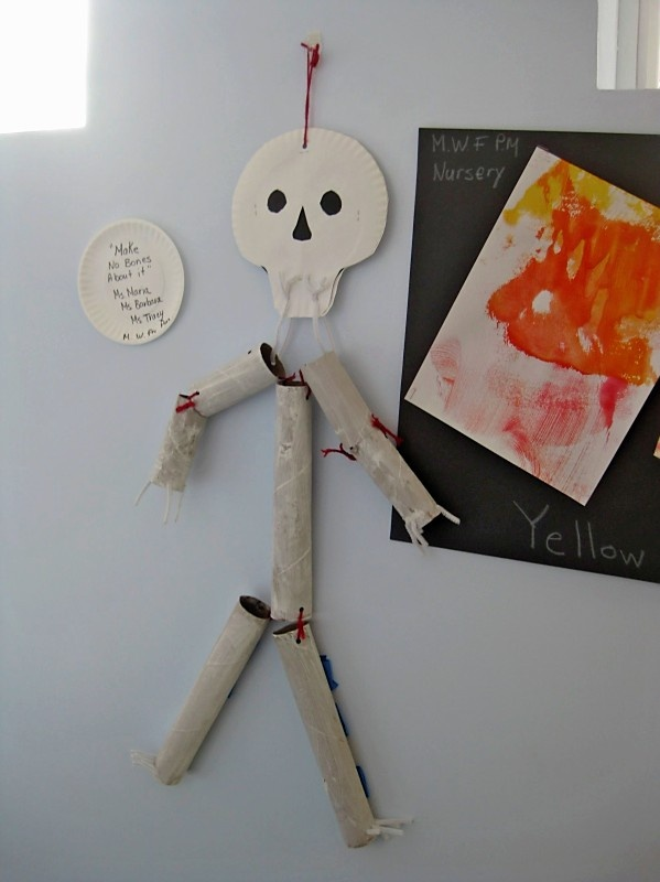 CRAFT:  picture only...kids would enjoy making this with paper toliet tubes and paper towel tubes