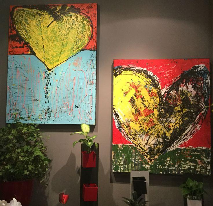 Bienvenue LUC TESSIER, artiste peintre qui expose ses magnifiques toiles chez nous, à la boutique de MARCHÉ AUX FLEURS, de Saint-Bruno.  Des cœurs pour toutes les occasions. #artisteluctessier #lemarcheauxfleurs #onaimelescoeurs #saintbruno  PARTAGEZ LA BONNE NOUVELLE :-)
