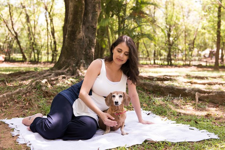 Os ensaios de gestante  incluindo os pets são feitos em nosso charmoso jardim! Ou então vamos ao parque, para que todos fiquem bem a vontade!