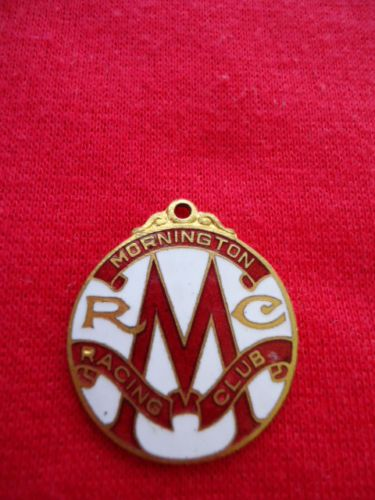 1955-56-MORNINGTON-RACING-CLUB-MEMBERSHIP-BADGE