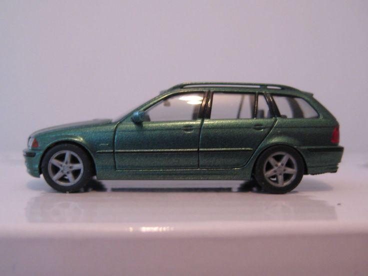 3er BMW 328i Touring (E46) 1:87 * Herpa * 032872 * grünmet.