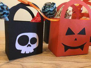 Bustine segnaposto per una spaventosa cena a tema! #halloween #halloweenbag #segnaposto #zucca #pumpkin #skull #teschio