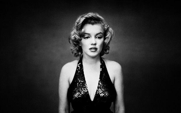 Marilyn Monroe Mood Wallpaper HD.