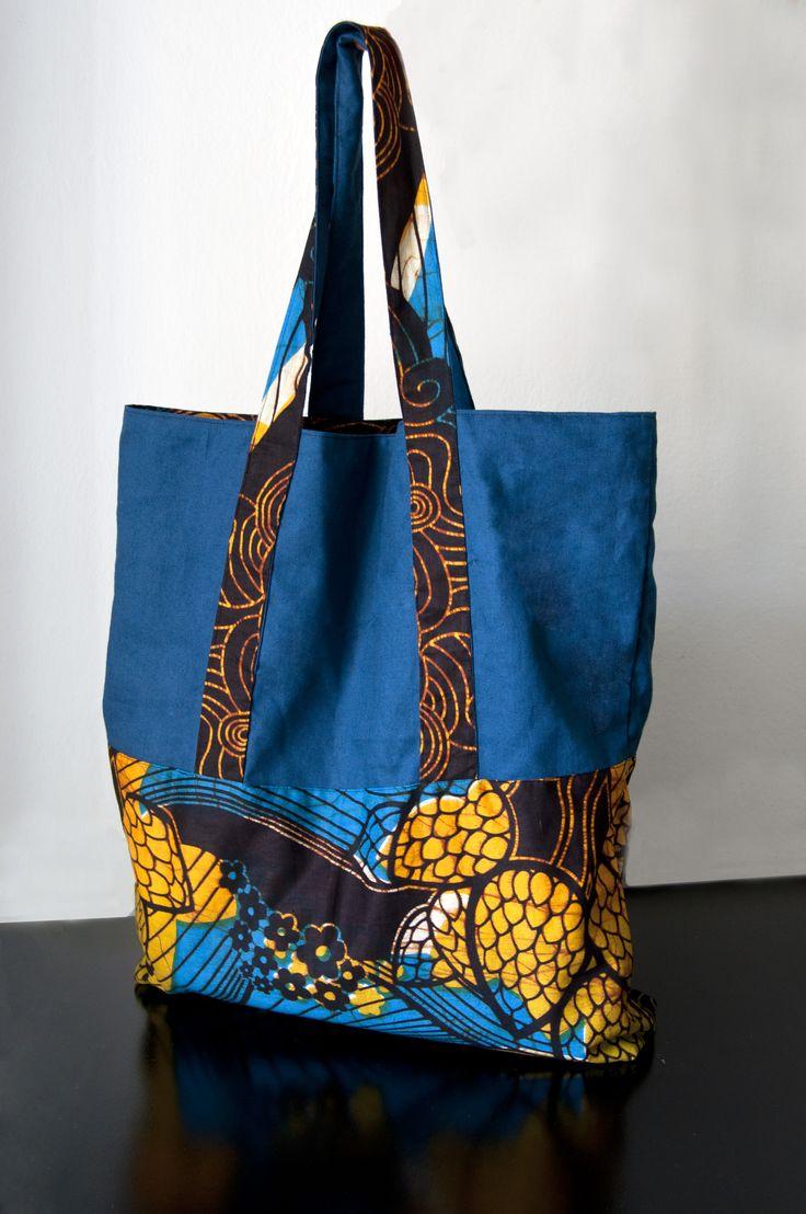 shopper artigianale Formato 45x50 cm realizzato con tessuti: cotone di Panama e Wax Print