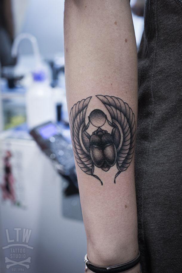 best 20 tattoo barcelona ideas on pinterest tatuaje de la l nea de trabajo tatuaje de l neas. Black Bedroom Furniture Sets. Home Design Ideas