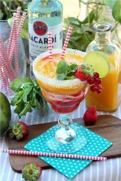 Cóctel de Daikiri de fresa y mango ¡súper refrescante!